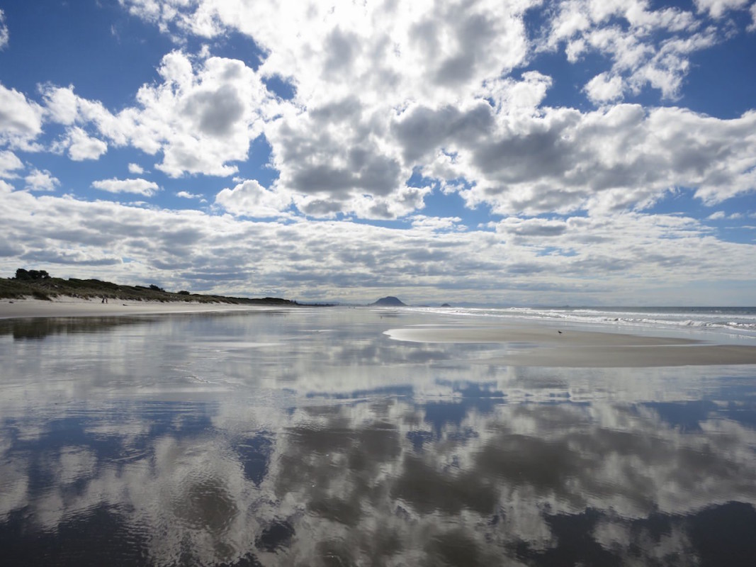 IMG_2102_Papamoa_Beach_Reflection