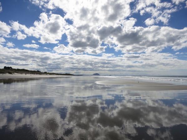 IMG_2102_Papamoa_Beach_Reflection